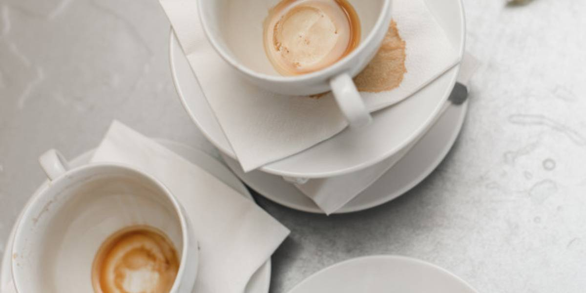 8 Ways to Remove Coffee Stains from Cups!