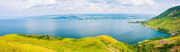 lake toba samosir island view from sumatra indonesia huge volcanic caldera covered by water green landscape 107467 3228